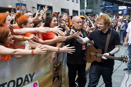 ed sheeran performs on 39 today show 39 talks about taylor. Black Bedroom Furniture Sets. Home Design Ideas
