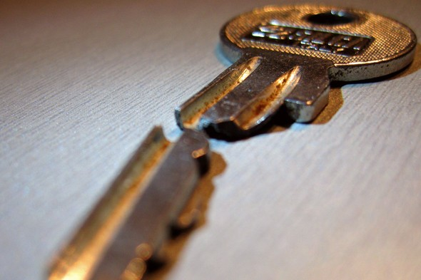 How To Remove Broken Key From Lock >> 301 Moved Permanently