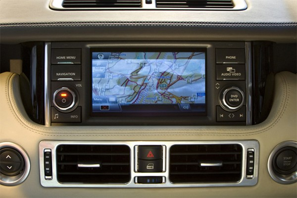 Rover Com Reviews >> 2010 Range Rover gets 12-inch 'dual view' touchscreen