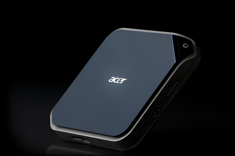 mini acer revo Ion based Nettop appears
