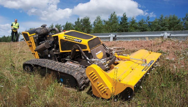 Robocut mcconnel's robocut mower verges on obscene (video)