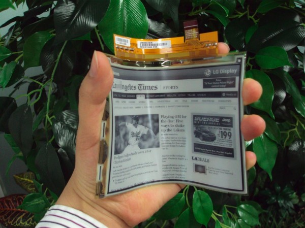 LG unveils flexible plastic e-paper display