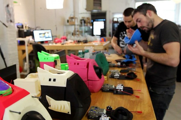 makerbot uncovers the miracle of 3d printed bot making video