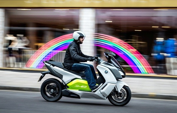 bmw's c evolution electric scooter does 62 miles on a charge