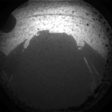 NASA's Curiosity Mars landing successful, first pictures ...