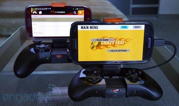 Powera S Moga Power Controllers Charge Your Phone While You Play Hands On Engadget
