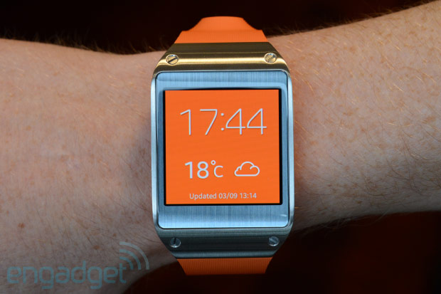 Galaxy gear in orange