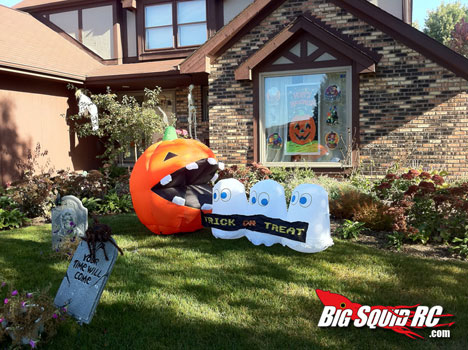 treat yourself to this pac pumpkin halloween lawn decoration - Best Halloween Yard Decorations