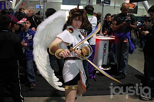 sc 1 st  Engadget & Nintendou0027s Kid Icarus: Uprising cosplayer is Pit (and not the pits)