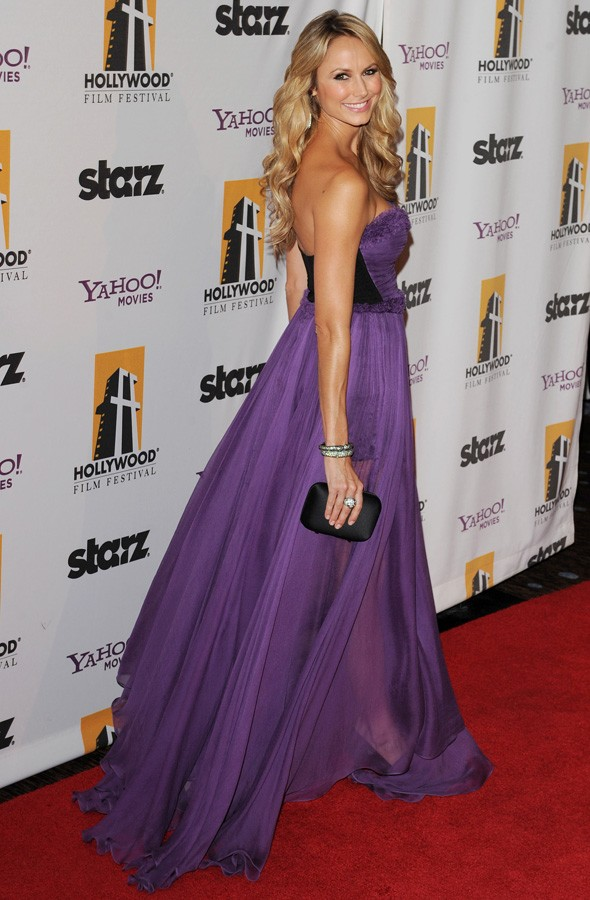 Stacy Keibler's Really Getting The Hang Of This Red Carpet ...