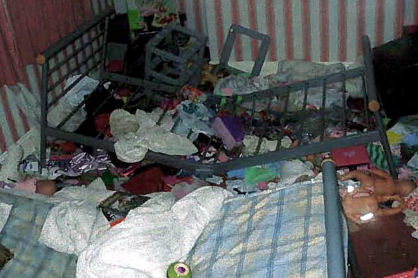 Mum And Dad Fined Over Squalid Home They Couldn T Be