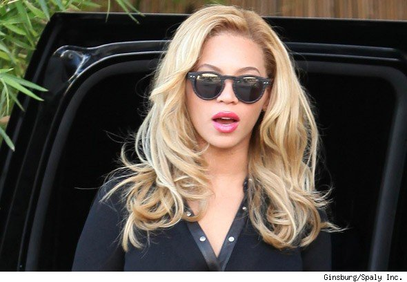 Beyonce Debuts New Blond Bombshell Hair   PopEater.com