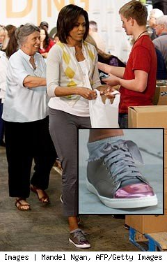 michelle-obama-sneakers-240tp043009.jpg