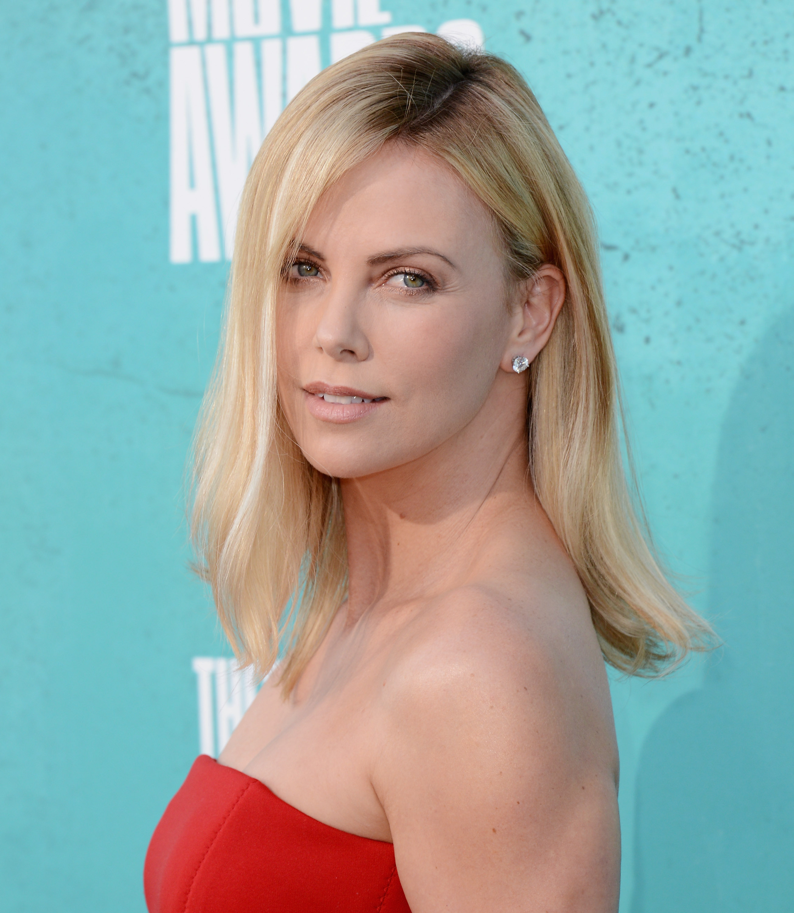 Charlize Theron Ny Blondes: Charlize Theron Hair Color 2012